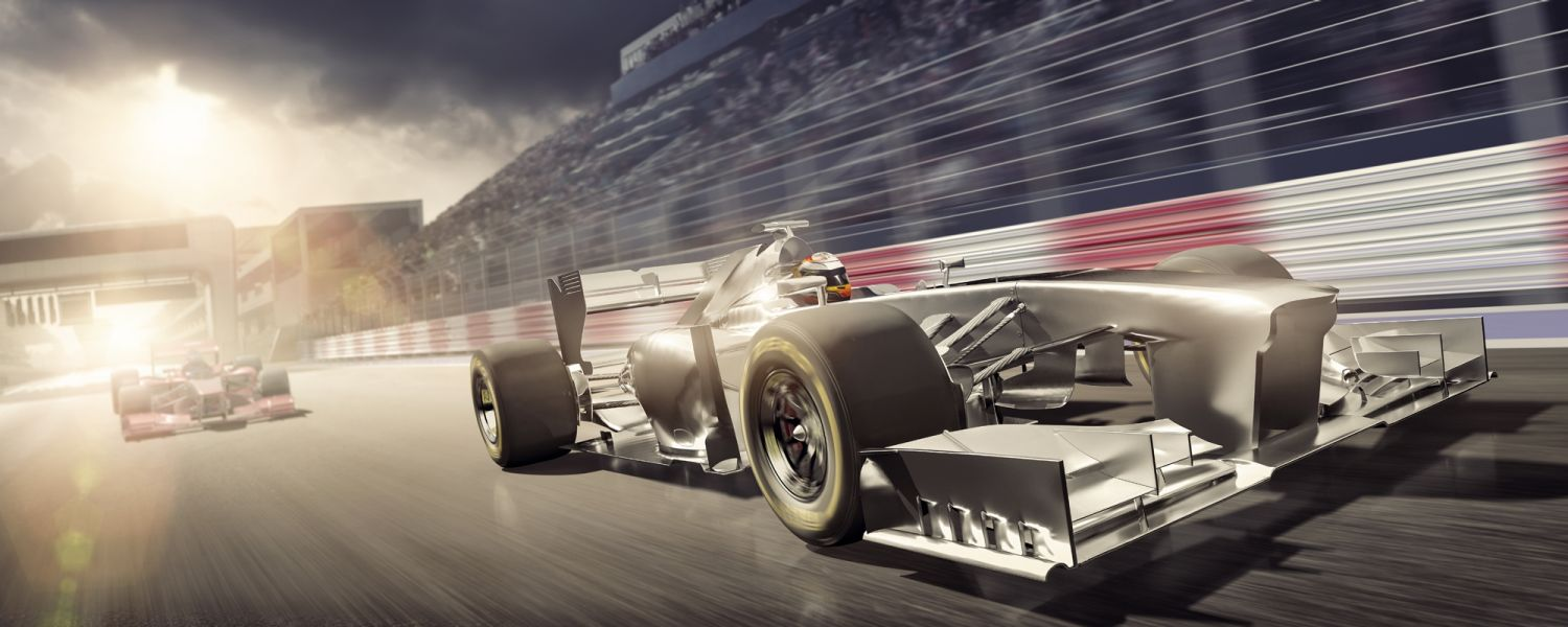 Two race cars represent memory speed and CAS latency